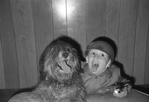 Norma Forss - boy and dog tongues 001