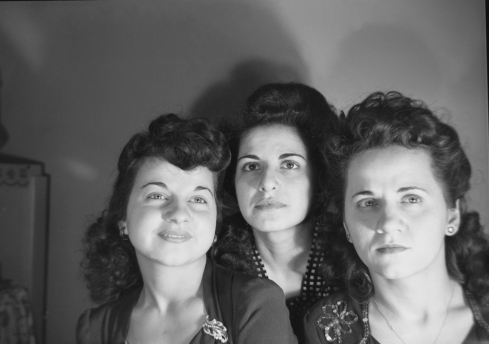 Norma Forss Three ladies portrait001