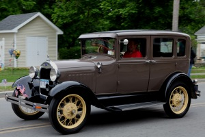 G Forss  Memorial Parade Classic charm car moment 2015 small file